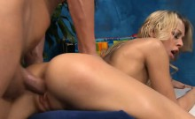 Gal widens legs wide and starts pushing dildo in her cunt