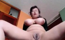 Busty Dutch mother toying live a thome