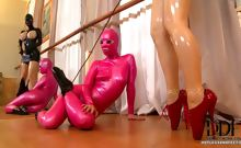 Worshipping Latex Lucy's Feet