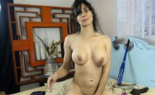 Nasty babe destroys her pussy-HD