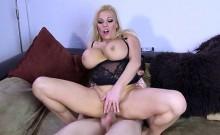 Blonde Cougar Michelle Thorne Gets Serviced By Mailman