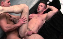 Uk Straight Hunk Gets His Hard Cock Sucked