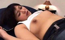 Cute Japanese babe gets her peach devoured before she sucks