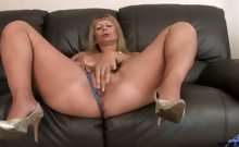 Housewife Amateur Anilos Alex posing and rubbing her