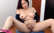 Busty Cam Chick Playing With Her Pussy