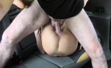 Teen gal fucks in taxi for free ride