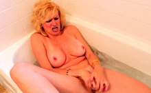 Sexy Hairy Mature Has A Golden Shower In The Shower