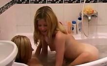Amateur Blonde Teens Showering Together